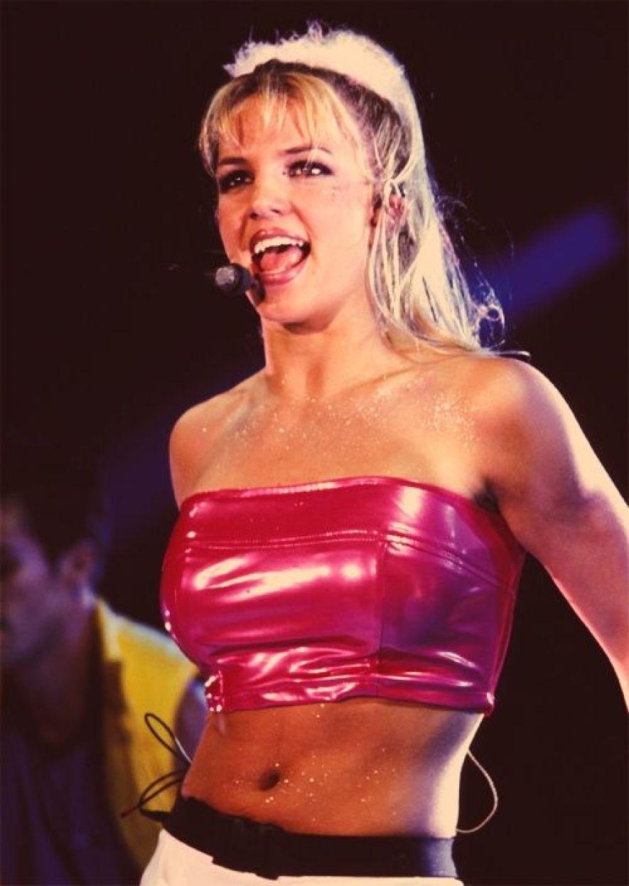 Britney Spears body glitter