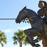cool picture of the UCF Knightro mascot