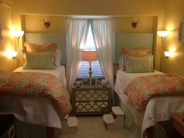Floral matching bedding it super cute for ole miss dorm rooms!