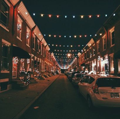 Don't you think that Philadelphia is perfect for college students?