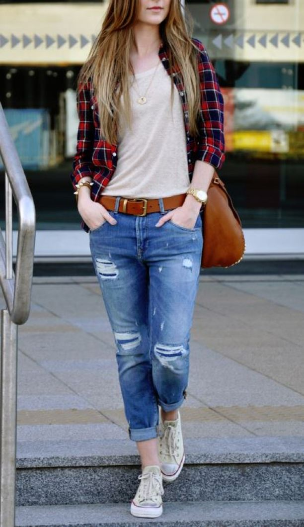 Flannels, boyfriend jeans, and converse make for cute back to school outfits!