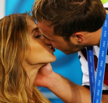 What To Expect When Dating A College Athlete