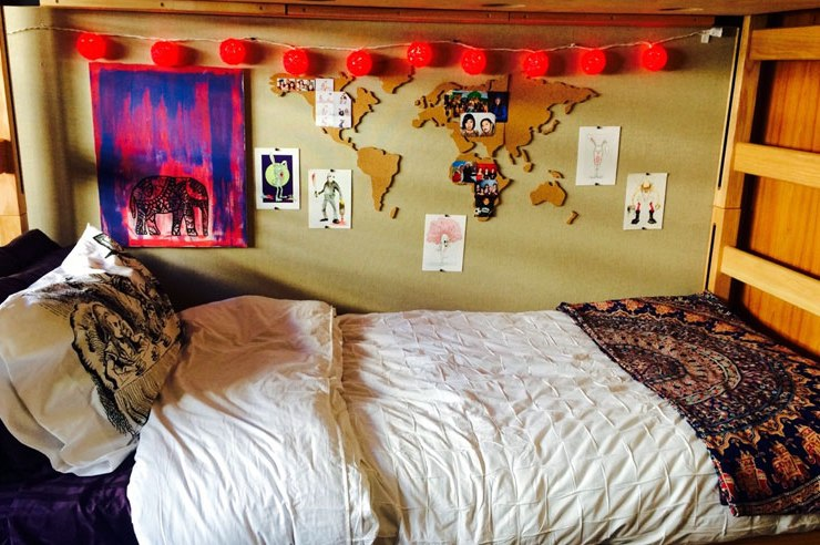 Decorating your dorm walls is so fun! To keep your wall damage free, use these dorm decor tips for cute dorm room decorations and ideas!