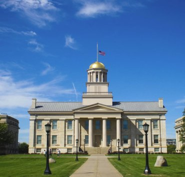 university of iowa, 10 Tips To Survive a Summer Away From the University of Iowa