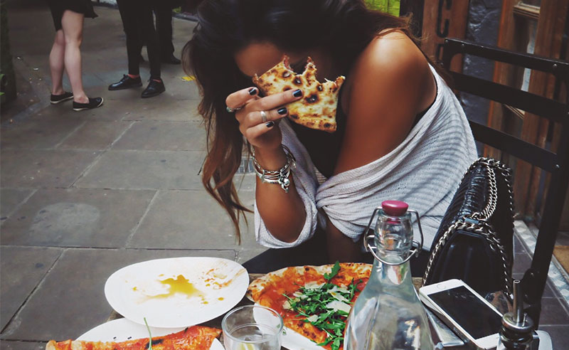 """The biggest question on a lot of freshman's minds is """"WHERE'S THE PIZZA?!?!"""" We have the answers for you. Here's a guide to eating on the SFSU campus!"""