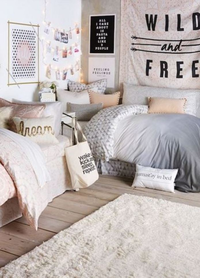 20 Chic Decor Items To Instantly Spice Up Your Dorm Room - Society19