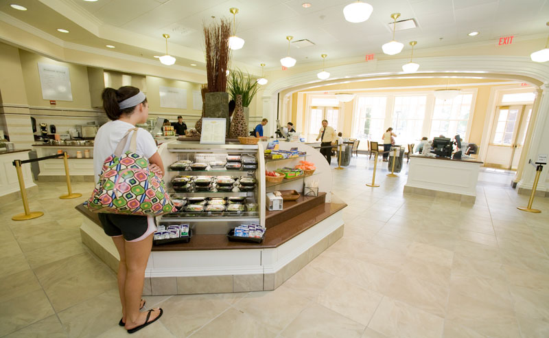 There are so many places to get delicious food at UCF. So, here is the ultimate guide for the best food and the best spots to get it at UCF!