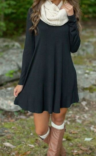 I love this green fall dress!