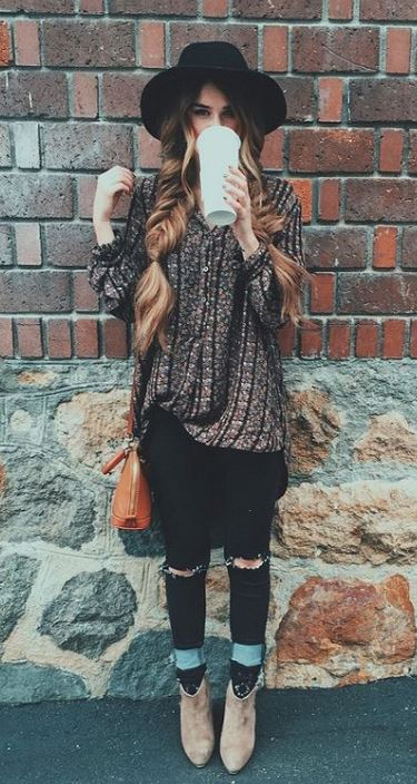 This brim hat is perfect with this fall outfit look!