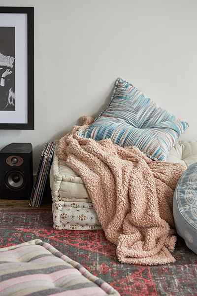 Your teen can definitely stay cozy this winter with a warm, fuzzy blanket.