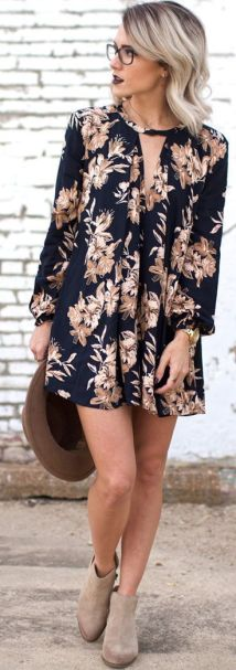 Floral dresses are the perfect fall fashion item!