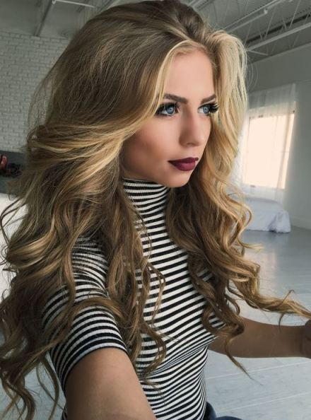 Her hair and makeup are perfect!