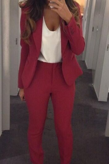 Pantsuits are the perfect fall fashion item!