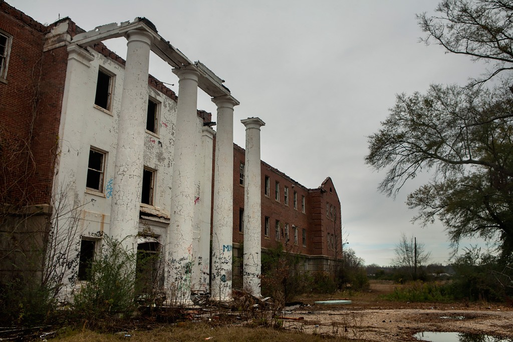 What better way to get in the spirit than to take some spooky road trips? Here are some of the most haunted places in Alabama you need to visit!