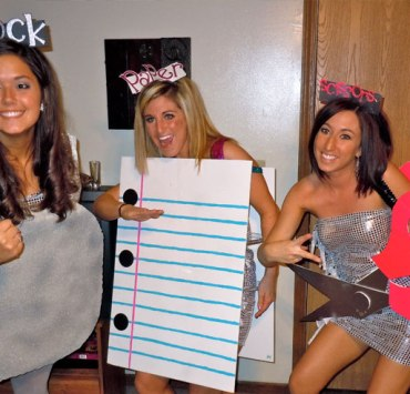 30 DIY Costumes Punny Enough To Impress Your Friends