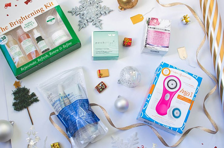 If you're looking to buy a present for the makeup enthusiast in your life, you're going to love this list of 30 beauty stocking stuffers under $15!