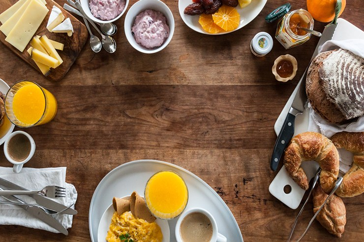 In need of a gift for a few brunch enthusiasts in your life? Look no further than this list of 25 things for people obsessed with brunch!