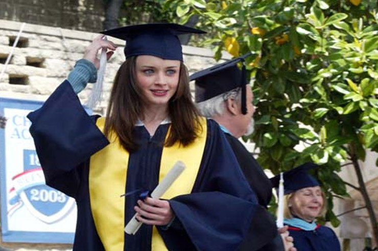 12 Times Gilmore Girls Represented Your Senior Year