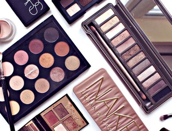 These are the best eyeshadow palettes that you need for your makeup bag! Whether you prefer metallic, matte or glittery looks, these palettes have it all!