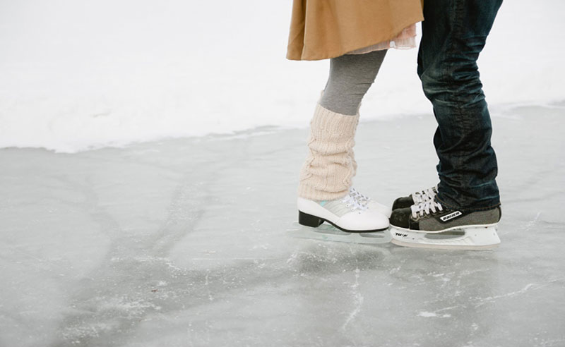 There are plenty of great date ideas near Syracuse University. From ice skating, to picnics, these dates are sure to be memorable without being expensive!