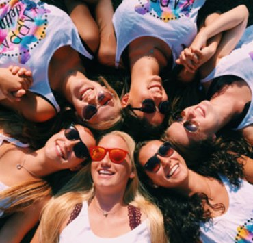 We have the ultimate step by step guide to what happens during sorority recruitment at the University of Illinois Urbana Champaign. Rush at UIUC!