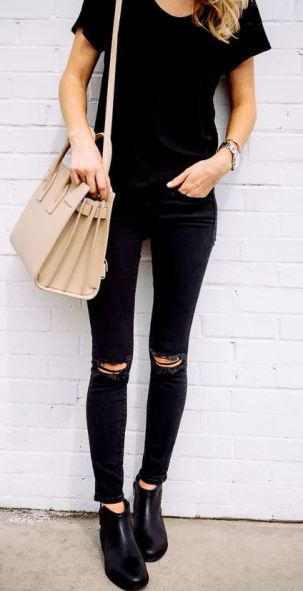 This all black outfit is one of the best cute outfits!