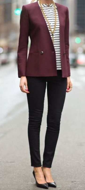 A statement necklace is a great tip for how to dress for an interview!