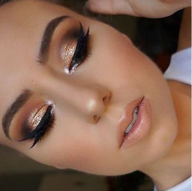 Gold smokey eyes are great for dreamy makeup looks!