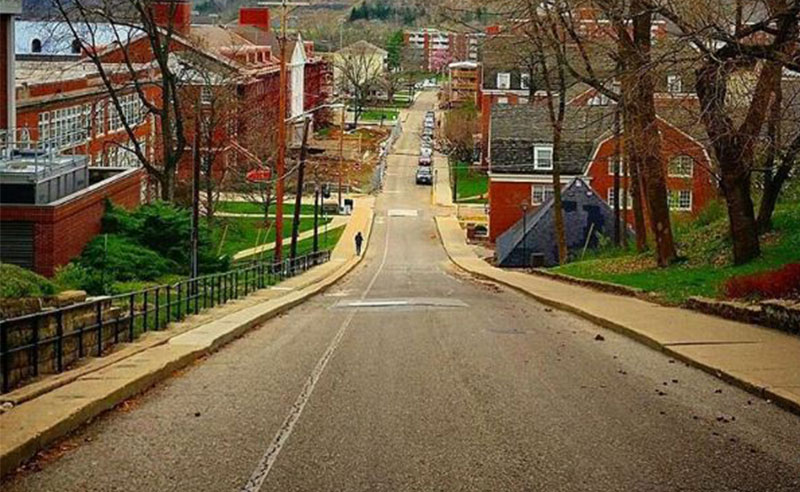 These are 10 thoughts we've all had while walking up Jeff Hill. If you go to Ohio University, you know how real the struggle can be.
