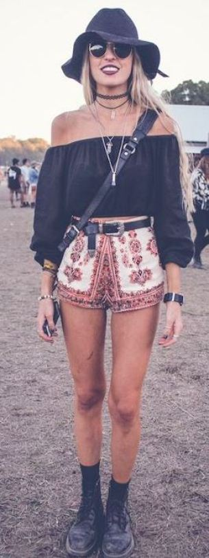 Bohemian prints are perfect for festival outfits!