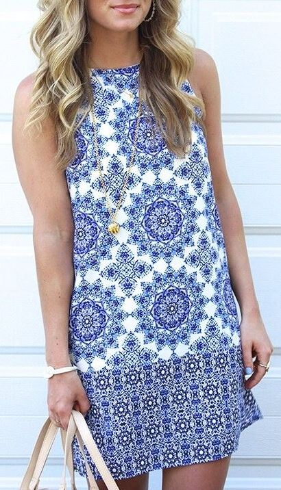 Patterned dresses make perfect graduation dresses!