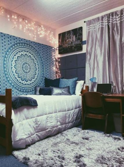 Different shades of blue are perfect for boho dorm rooms!