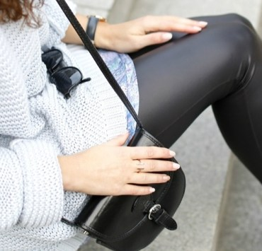 Cute outfits with black leggings that you can easily recreate! These black leggings outfits are perfect for any occasion and any season.