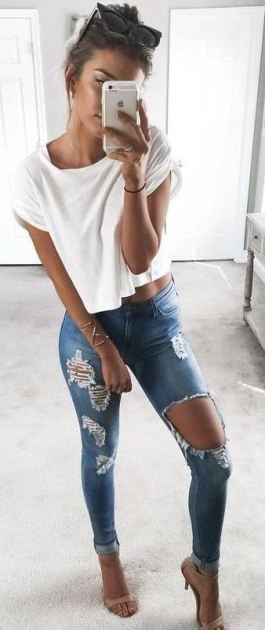 Ripped jeans are definitely what not to wear to an interview!