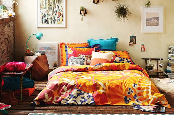 How to decorate your dorm room based on your zodiac sign! The best dorm room decor for your college dorm or apartment depending on your sign.