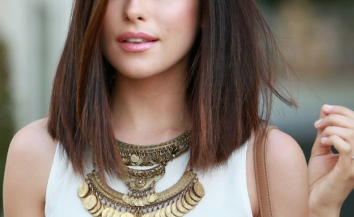 If you're thinking getting a lob bob or a lob, these pictures of long bob hairstyles will make you want to cut your hair! Long bobs are the cutest haircuts!