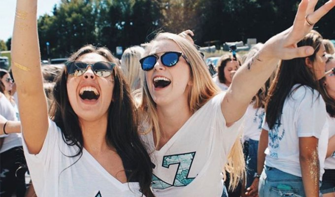 Recruitment can be the best and worst time of your life. Many questions run through your mind, so here's a break down of sorority recruitment at Kent State.