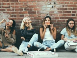 In college, you come across hundreds of different people. But, every school has these 10 types of people you meet at college no matter where you go!