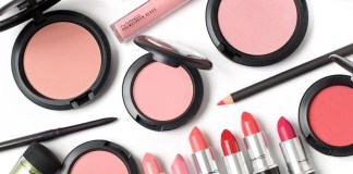 If you love MAC makeup,but don't love the price, there are ways to get it cheaper! These are online sites where you can buy discounted and cheap MAC makeup!