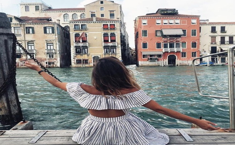 Considering studying abroad? Let's make it happen. These are 5 tips for saving money while studying abroad so you can make the most of your experience!
