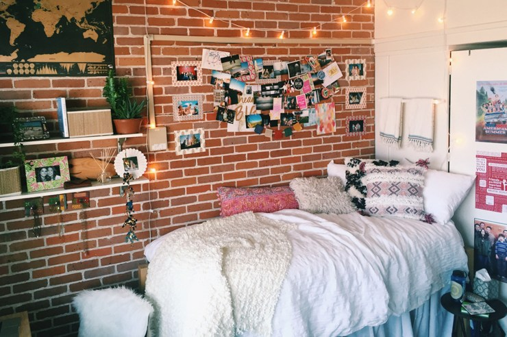Having trouble decorating your dorm room? Here are a few amazingly decorated dorm rooms to help inspire you to create your very own perfect dorm!