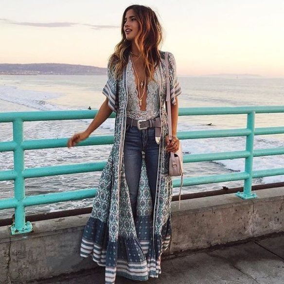 Here's how to recreate this layered country concert outfit!