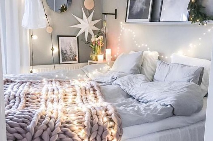 Decorating your bedroom may be tough, and it can difficult to know where to start. These are a few things you'll need to get for a cute and cozy bedroom!
