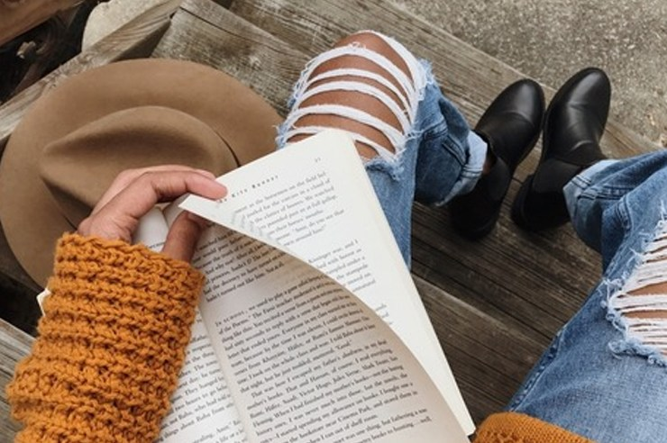 Red is going to be a huge trend for this fall season. From sweaters to boots, here are the top 10 cute fall outfits to wear to class!