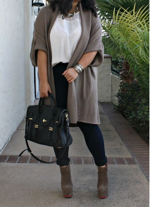 Plus size cardigans are college essentials for curvy girls