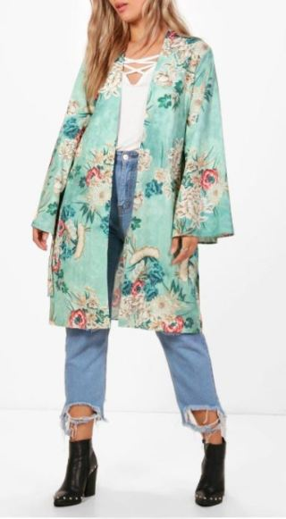 Kimonos are college essentials for your closet