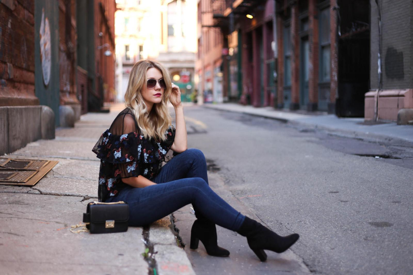 These ankle boots for women are perfect outfit ideas for the fall! Whether you like black, high heel or suede ankle boots, there's a boot for every style!