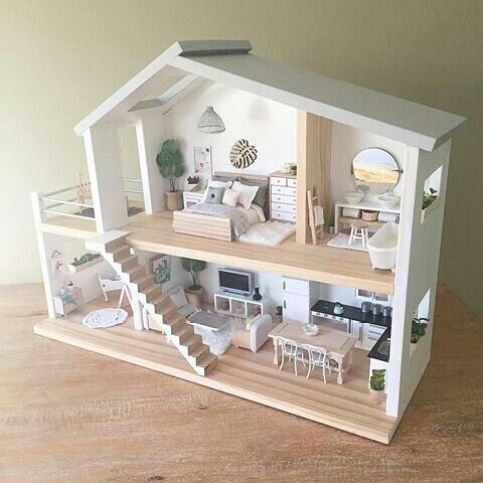 Chic Dollhouses!