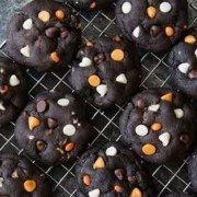 Are you looking to make a few festive treats for Halloween this year? Look no further than this list of the 25 best Halloween recipes!