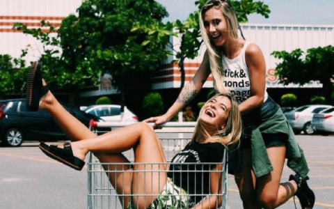 Coming into college as a freshman, obviously you're a little lost at first. These are the relatable signs you're a freshman on your campus!
